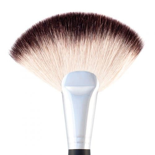 Brush 16 (Deluxe Fan Brush) 1